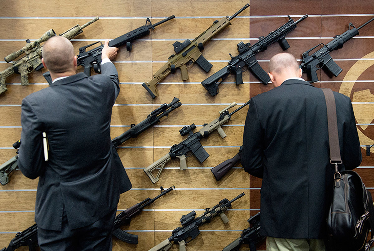 Gun buyers at AUSA Annual Conference